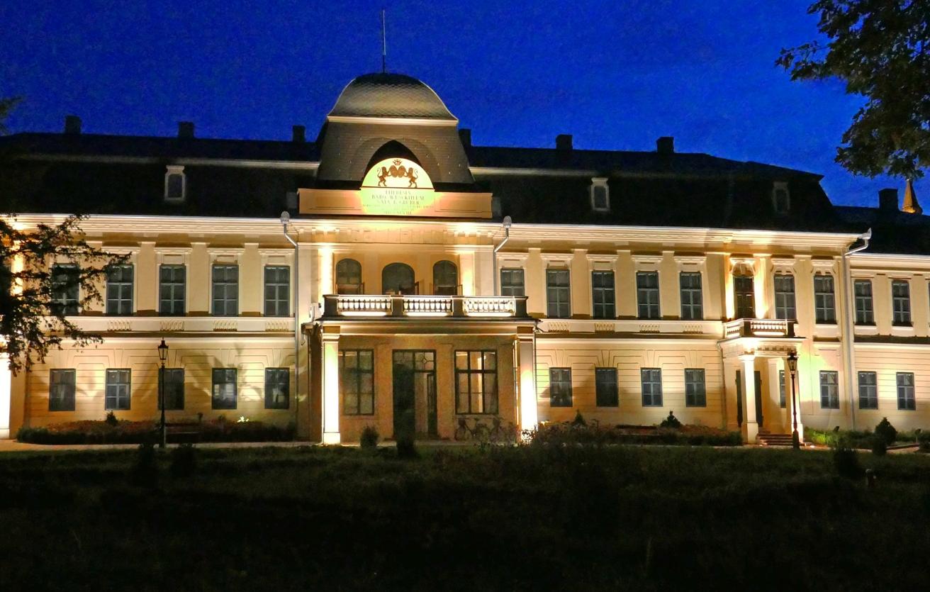 Almásy-kastély