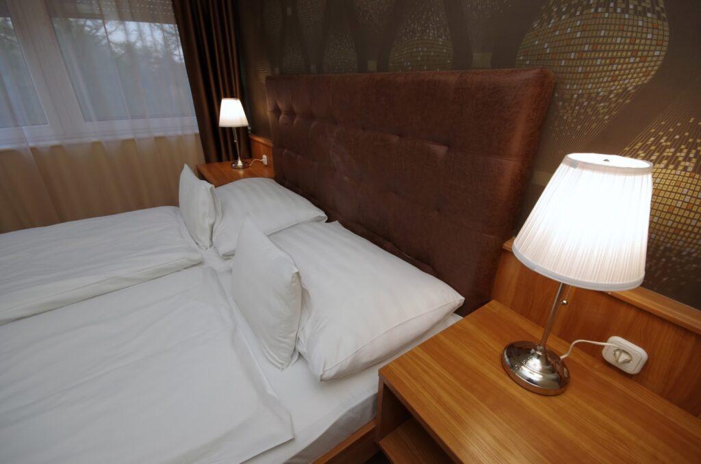 szoba ágy 4